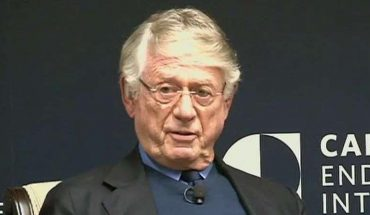 Agreeing with anchor Ted Koppel, Brit Hume talks blurring of journalism lines