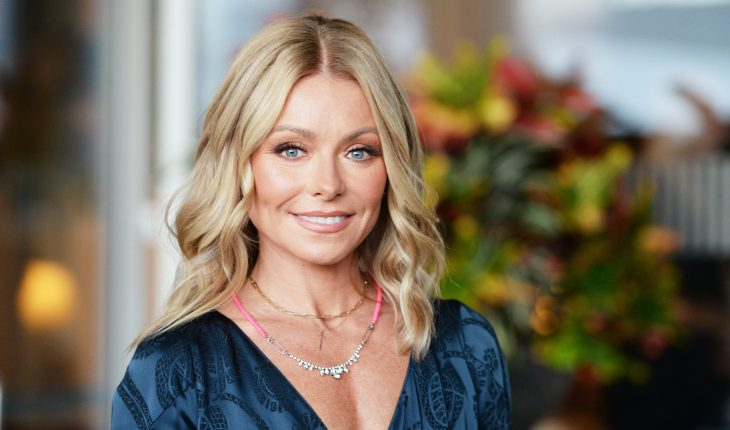 Kelly Ripa doesn't care if her daughter is grossed out by sexy photos with Mark Consuelos