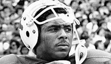 Texas legend, ex-NFL wide receiver and Olympic gold medalist Johnny Lam Jones has died.