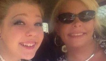 19-year-old Sarah Wilson, pictured left, shot herself through the mouth while handcuffed last year, according to police