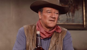 American flag quote attributed to John Wayne proven 'false' by Politifact