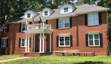 Clemson student who died in fall 'slipped,' fell backwards off roof: report