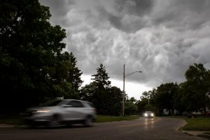 Severe storms leave hundreds of thousands without power across Wisconsin, Michigan