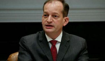 Labor Secretary Acosta defends role in Epstein plea deal, faults state prosecutors