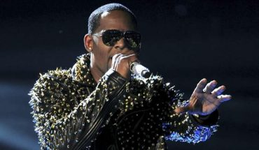 R. Kelly ordered held without bond on sex crime charges