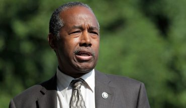 Ben Carson visits Baltimore amid uproar over Trump's tweets