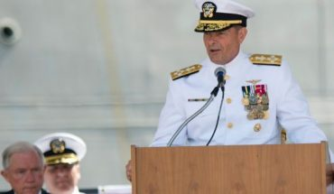 Adm. William Moran speaks during the Commissioning of the USS Montgomery in Mobile, Ala, in 2016. (AP)