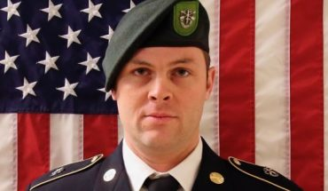 This undated image provided by the U.S. Army shows Sgt. 1st Class Elliott J. Robbins, who died Sunday of non-combat injuries in the Helmand Province of Afghanistan. Robbins, 31, from Ogden, Utah, and was assigned to the 10th Special Forces Group. (U.S. Army via AP)