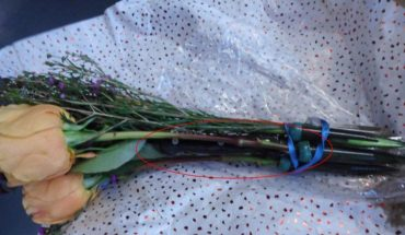 TSA stops traveler with flowers containing hidden knife