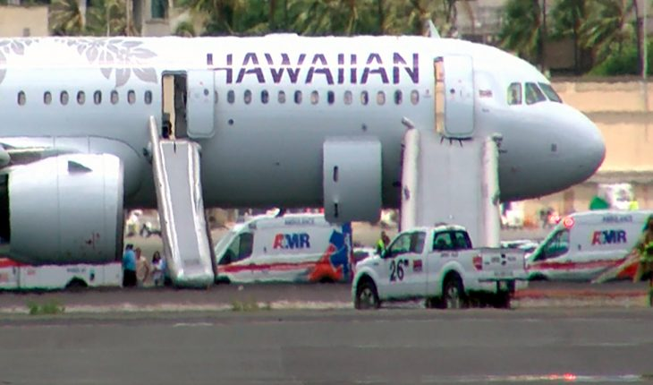 Hawaiian Airlines flight lands early due to smoke, 7 hospitalized