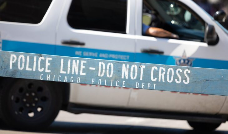 Weekend of violence in Chicago leaves 2 dead, dozens inured