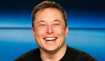 Elon Musk lauds Newt Gingrich's $2B moon competition prize