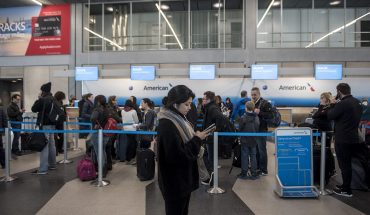 Flights resume at Chicago airports after fog briefly grounds aircraft