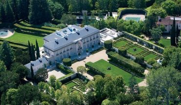 The 25,000-square-foot mansion stretches across 10 acres of land, boasting 18 bedrooms and 24 bathrooms.