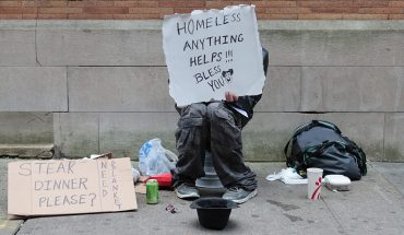 Alabama police chief offers 'sincerest apology' after officer's 'homeless quilt' Facebook post