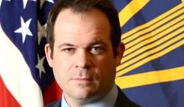 Eric Chewning, the chief of staff to defensesecretary Mark Esper, is resigning. (Official photo).