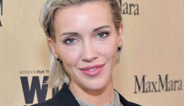 Katie Cassidy split from her husband Matthew Rodgers 13 months after the two held a wedding ceremony in Florida, according to a report.