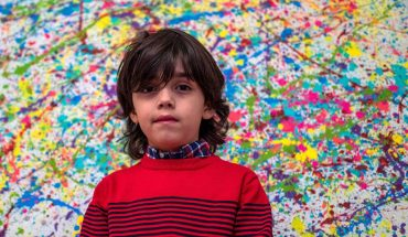 7-year-old painter wows art world in Germany