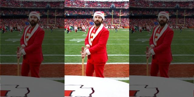 Paul Rudd prepares to hit the ceremonial war drum at Arrowhead Stadium before the game between the Cleveland Browns and the Kansas City Chiefs on December 27, 2015 in Kansas City, Missouri.