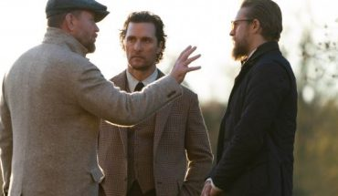 "Guy Ritchie, Matthew McConaughey and Charlie Hunnam filming a scene from ""The Gentlemen."""
