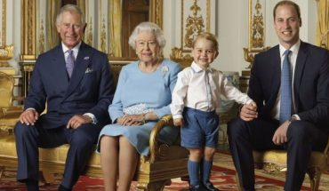 In this file handout photo provided by Buckingham Palace and released in 2016, Queen Elizabeth, Prince Charles, Prince William and Prince George pose for a photo to mark the Queen