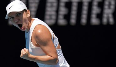 Halep, Muguruza take contrasting paths to semis in Australia