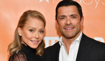 Kelly Ripa says she and husband Mark Consuelos will 'be totally naked' once their kids move out